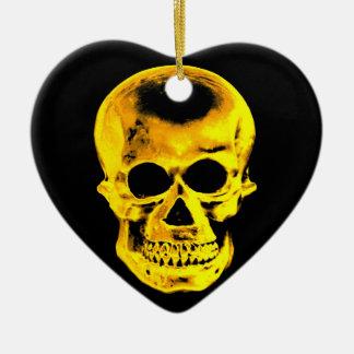 Cráneo de oro adorno navideño de cerámica en forma de corazón