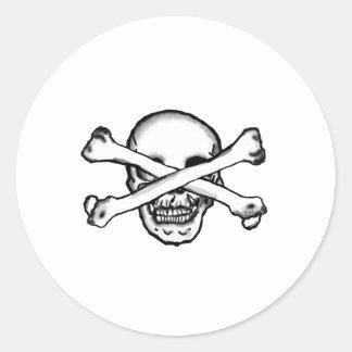 Cráneo de pirata bekloppt pegatina redonda