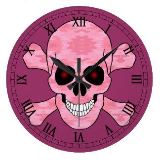 Cráneo de Red Eye del camuflaje y reloj rosados de