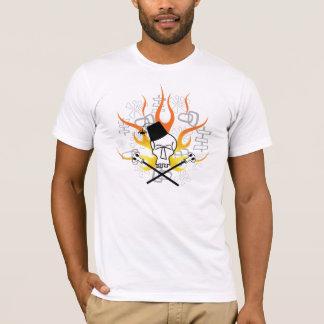Cráneo de Tiki con la camisa de las llamas