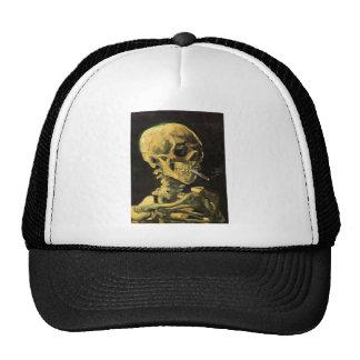 Cráneo de Van Gogh con el cigarrillo ardiente art Gorras De Camionero