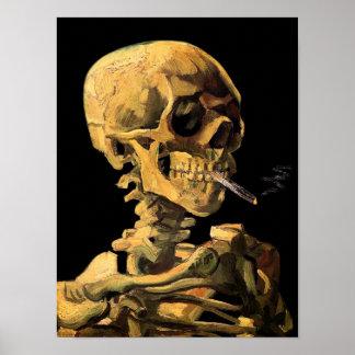 Cráneo de Van Gogh con el poster ardiente del ciga