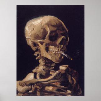 Cráneo de Vincent van Gogh con un cigarrillo ardie Póster