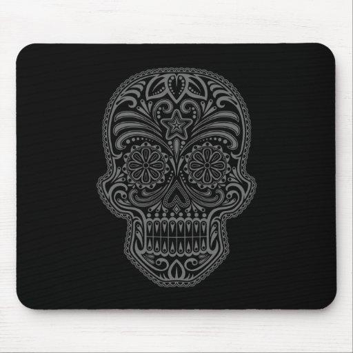 Cráneo decorativo del azúcar - oscuridad mouse pads