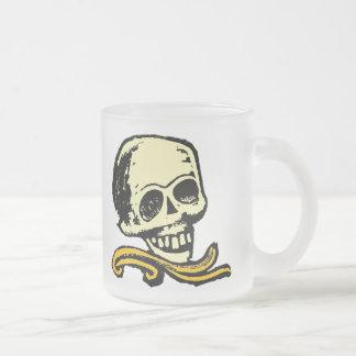 Cráneo decorativo del vintage taza cristal mate