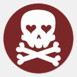 Cráneo del amor etiqueta redonda