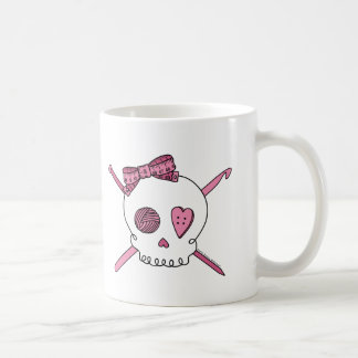 Cráneo del arte (rosa) taza clásica