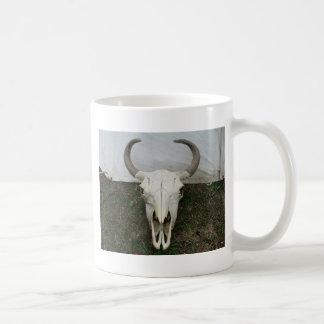 Cráneo del búfalo taza básica blanca