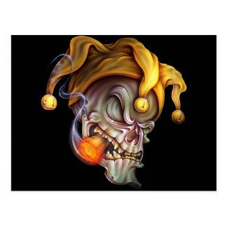Cráneo del bufón que fuma postal