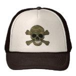Cráneo del camuflaje y gorra de la bandera pirata
