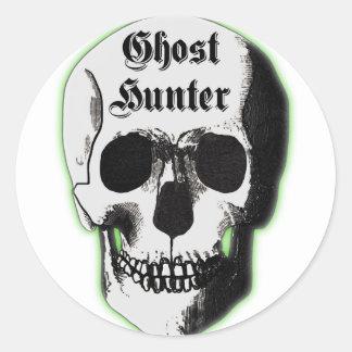 Cráneo del cazador del fantasma etiquetas redondas