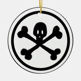Cráneo del dibujo animado y logotipo de la bandera adorno de navidad
