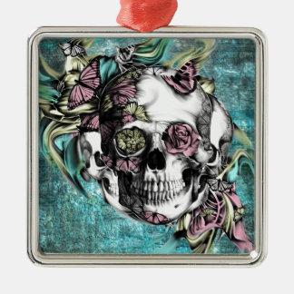 Cráneo del humo de la mariposa en rosado y amarill ornamentos para reyes magos