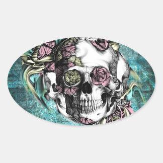 Cráneo del humo de la mariposa en rosado y pegatina ovalada