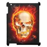Cráneo del metal en el fuego