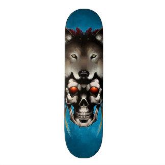 Cráneo del nativo americano con el lobo del albañi skateboards