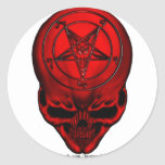 cráneo del penta etiqueta redonda