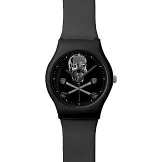 Cráneo del pirata del cromo relojes de pulsera