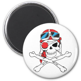 Cráneo del pirata imán redondo 5 cm