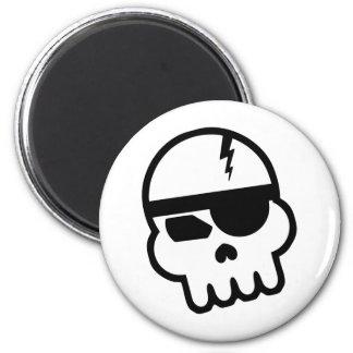 Cráneo del pirata informático del pirata imán redondo 5 cm