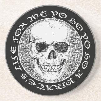 cráneo del pirata posavasos cerveza