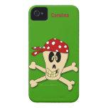 Cráneo del pirata y nombre del personalizado de la iPhone 4 protector