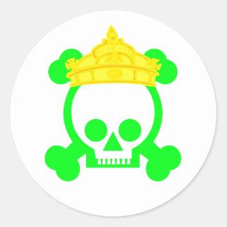 cráneo del rey de la reina pegatinas redondas
