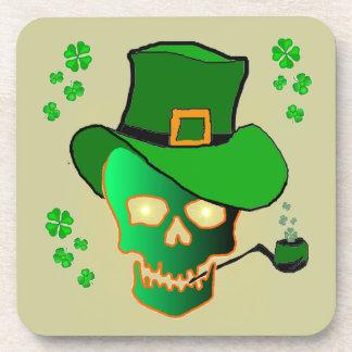 Cráneo del St Patricks Posavasos De Bebidas