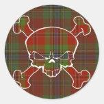 Cráneo del tartán de MacLean ninguna bandera Pegatina Redonda