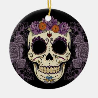 Cráneo del vintage y ornamento de los rosas ornato