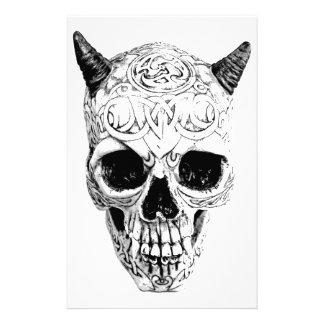 Cráneo demoníaco de Halloween. Horror gótico de Di Papelería Personalizada