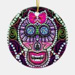 Cráneo dulce del azúcar con el arco rosado ornato