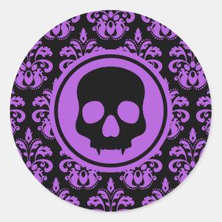 Cráneo elegante de Halloween en negro y púrpura Etiqueta Redonda
