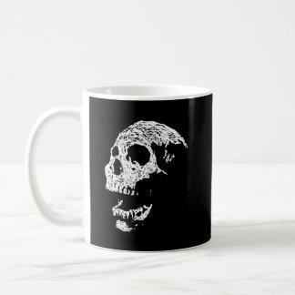 Cráneo en blanco en negro taza de café