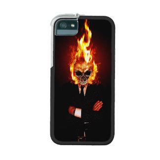 Cráneo en el fuego