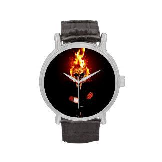 Cráneo en el fuego reloj de mano