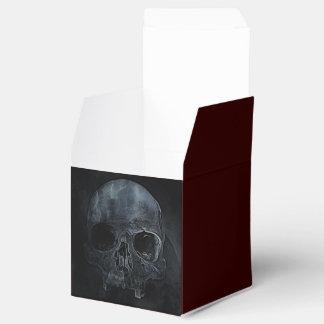 cráneo en fondo negro caja para regalos de fiestas