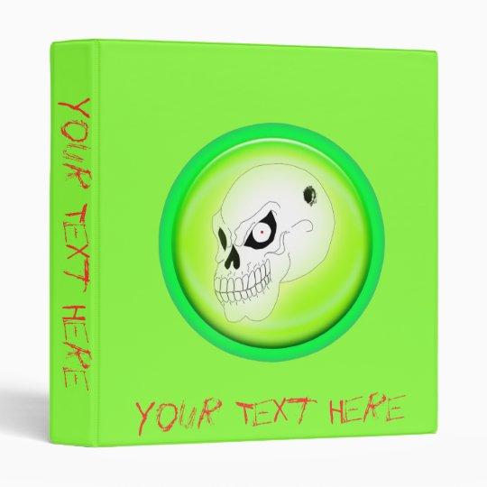 Cráneo enojado en plantilla verde de la carpeta
