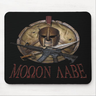 Cráneo espartano de Molon Labe con M-4 Mousepad Tapetes De Ratón