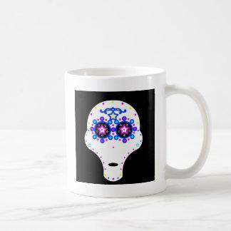 cráneo extranjero del caramelo taza de café