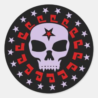 Cráneo fantasmagórico del vampiro con Pentagram y Pegatina Redonda