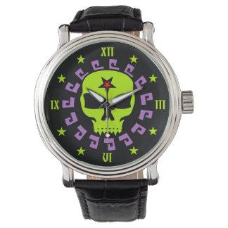 Cráneo fantasmagórico del vampiro con Pentagram y Relojes De Pulsera
