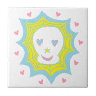 Cráneo feliz del amor azulejo ceramica
