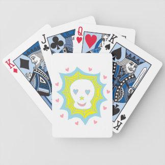 Cráneo feliz del amor barajas de cartas