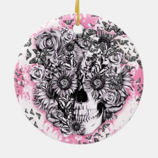 Cráneo femenino del rosa y blanco de la mariposa ornamento de reyes magos