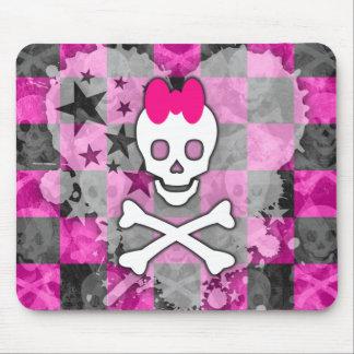 Cráneo femenino y bandera pirata alfombrillas de ratones