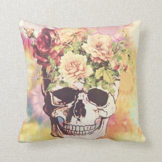 Cráneo floral lindo cojín