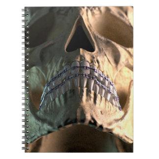 Cráneo - frente - ángulo bajo cuaderno
