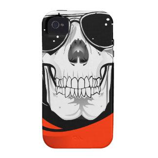 cráneo fresco con las gafas de sol y el casco Case-Mate iPhone 4 funda