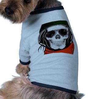 cráneo fresco con las gafas de sol y el casco camisetas mascota